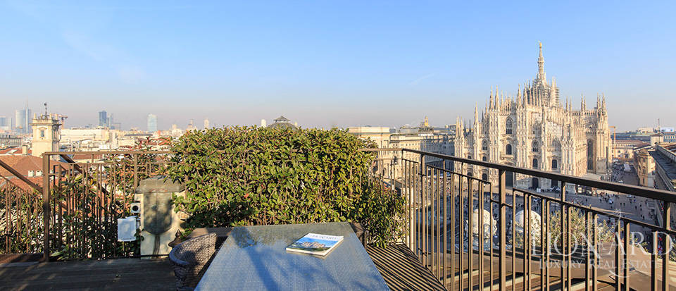 luxurious penthouse for sale in milan