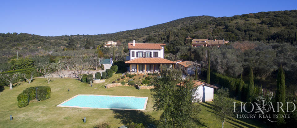 Prestigious estate for sale in Tuscany Image 1