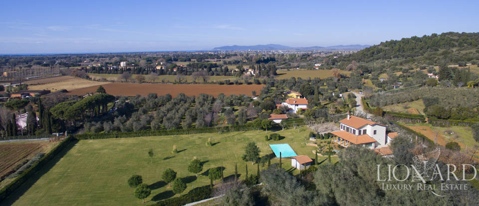 Prestigious estate for sale in Tuscany Image 3