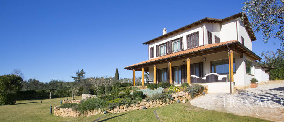 Prestigious estate for sale in Tuscany Image 11