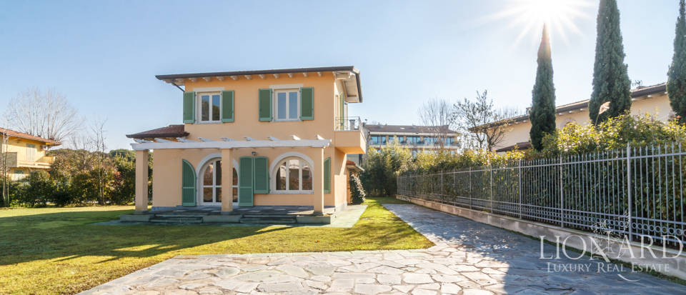 Luxury estate for sale in Forte dei Marmi Image 1