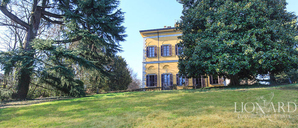 Historical estate for sale in Brianza Image 3