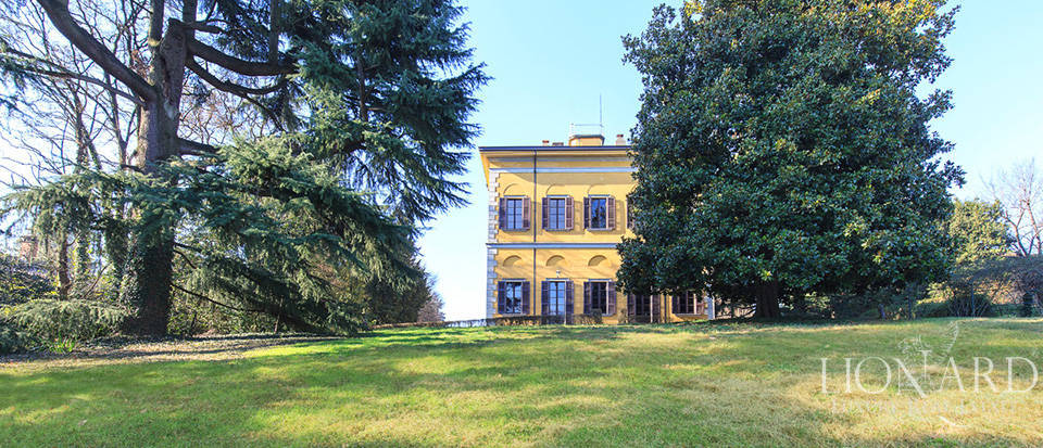 Historical estate for sale in Brianza Image 2