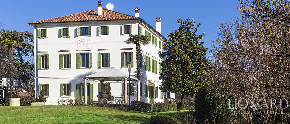Stunning historic estate for sale in Treviso Image 5