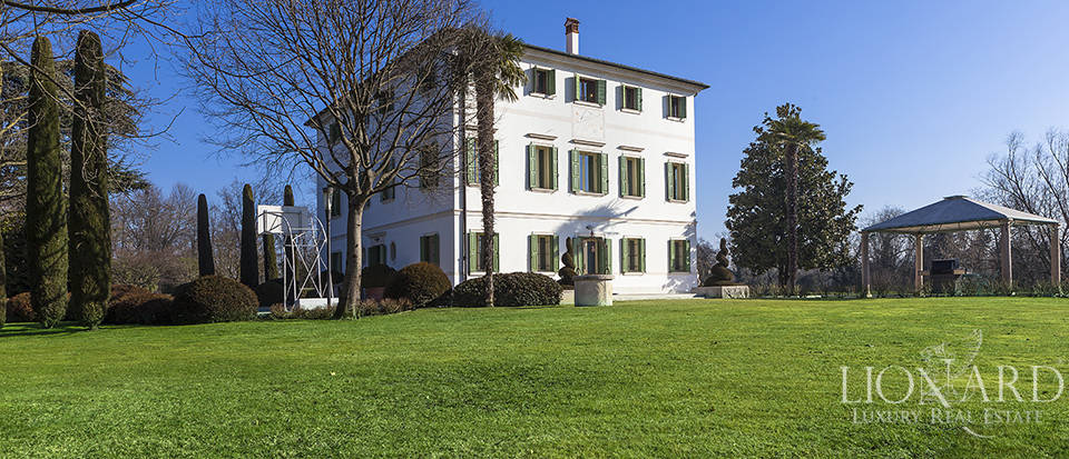 Stunning historic estate for sale in Treviso Image 9