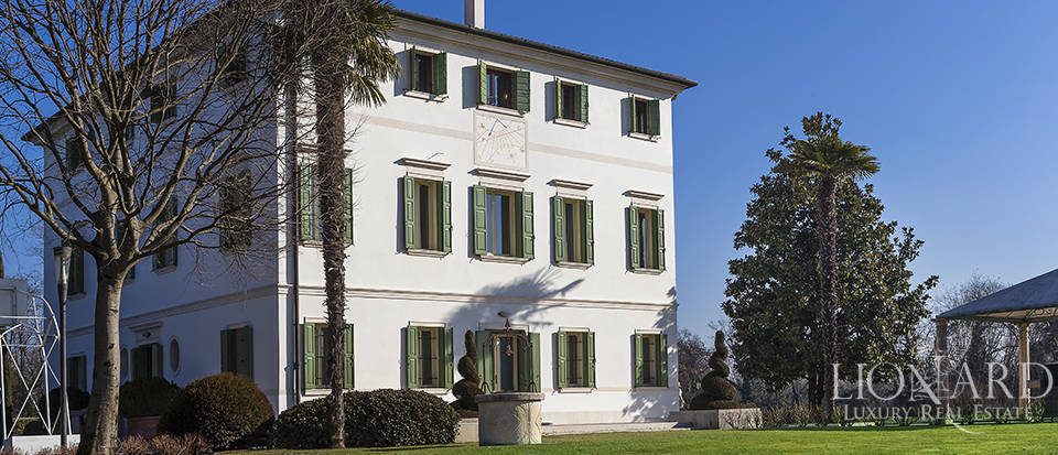 Stunning historic estate for sale in Treviso Image 8