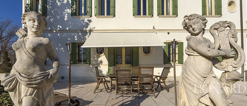 Stunning historic estate for sale in Treviso Image 12