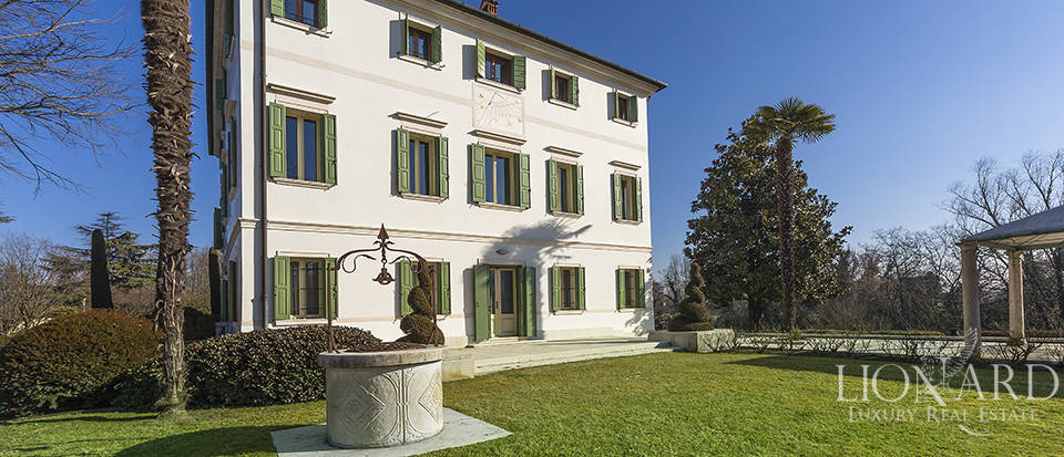 Stunning historic estate for sale in Treviso Image 14