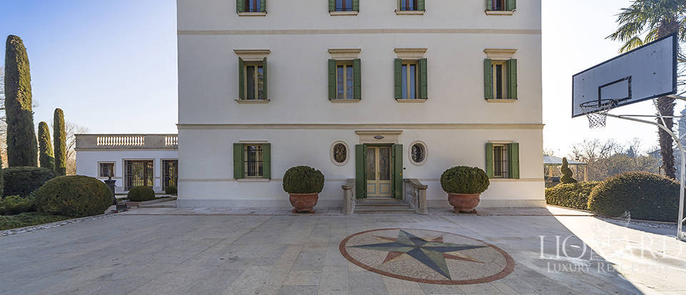 Stunning historic estate for sale in Treviso Image 16