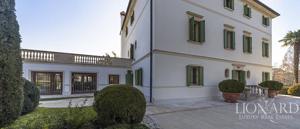 Stunning historic estate for sale in Treviso Image 18