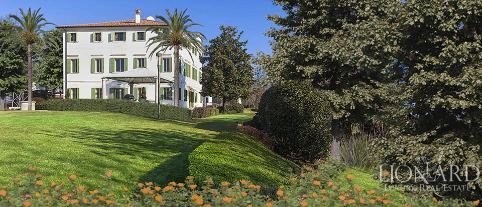 Stunning historic estate for sale in Treviso Image 3