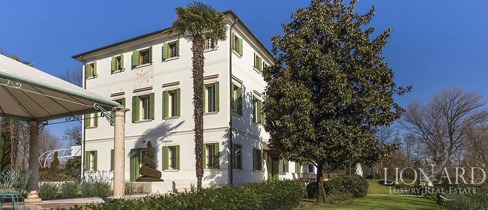 Stunning historic estate for sale in Treviso Image 4