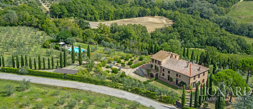 Luxury villa with swimming pool in Montespertoli Image 12