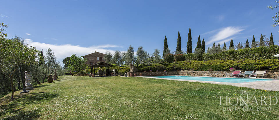 Luxury villa with swimming pool in Montespertoli Image 30