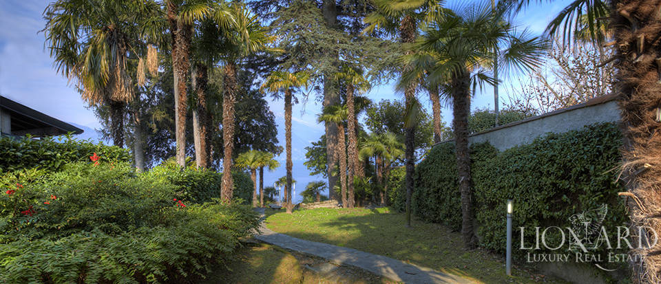 Villa in front of Lake Como for sale Image 14