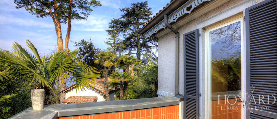 Villa in front of Lake Como for sale Image 16