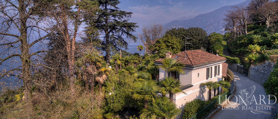Villa in front of Lake Como for sale Image 5
