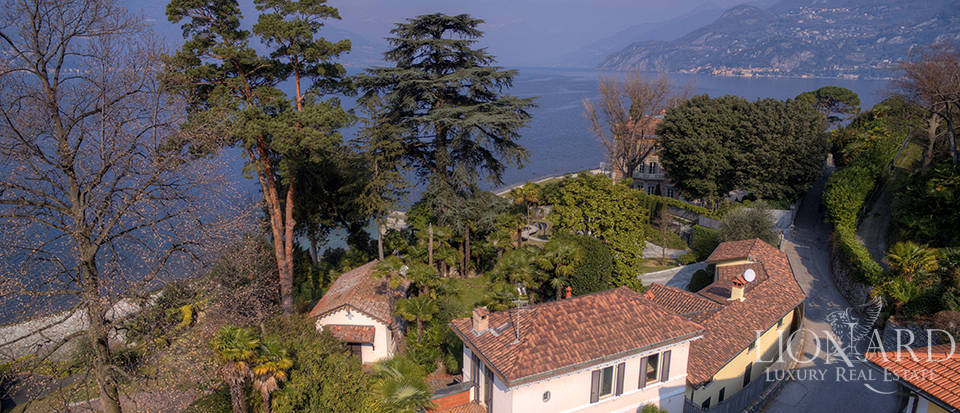 Villa in front of Lake Como for sale Image 4