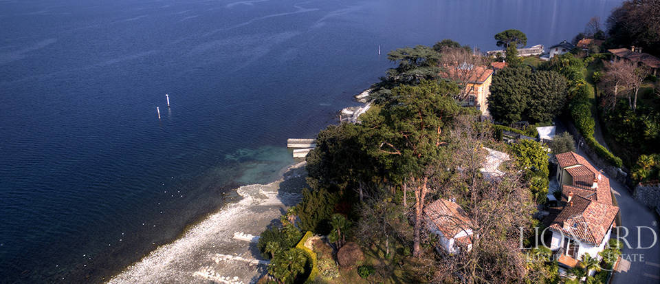 Villa in front of Lake Como for sale Image 2