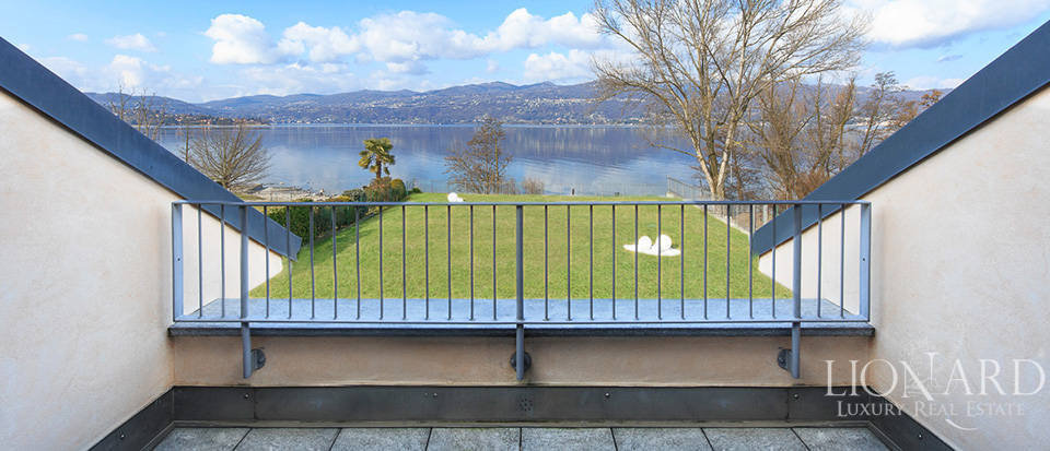 Luxury villa for sale by Lake Maggiore Image 18