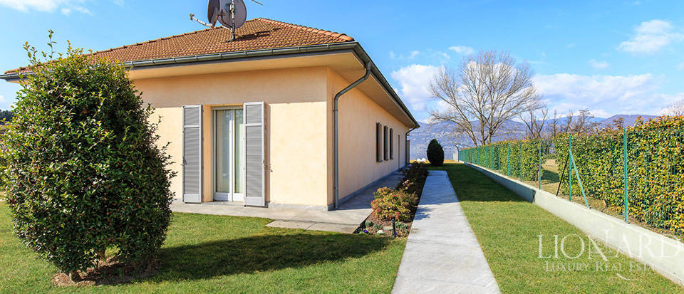 Luxury villa for sale by Lake Maggiore Image 6
