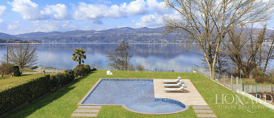 Luxury villa for sale by Lake Maggiore Image 19