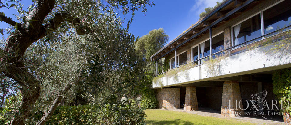 Stunning villa for sale on Mount Argentario Image 4