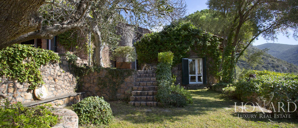 Stunning villa for sale on Mount Argentario Image 21