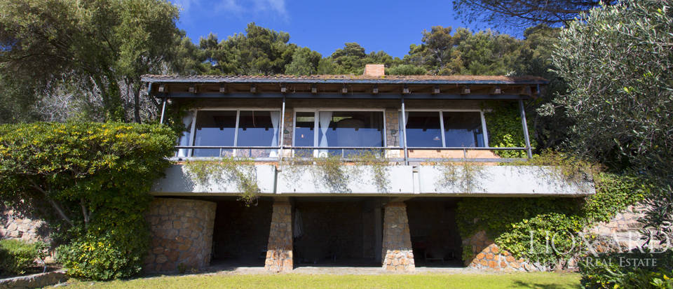 Stunning villa for sale on Mount Argentario Image 2