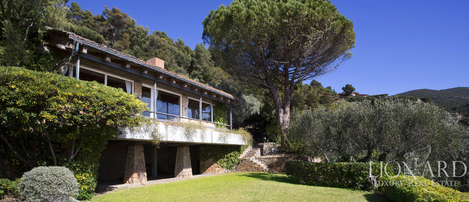 Stunning villa for sale on Mount Argentario Image 1