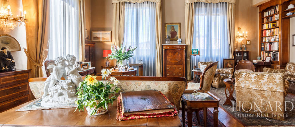 refined apartment for sale in florence