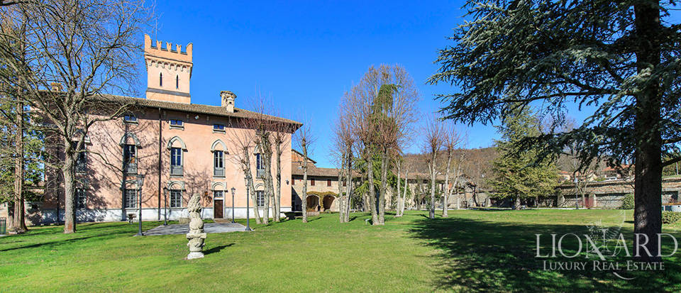 Historical estate for sale in Alessandria Image 2
