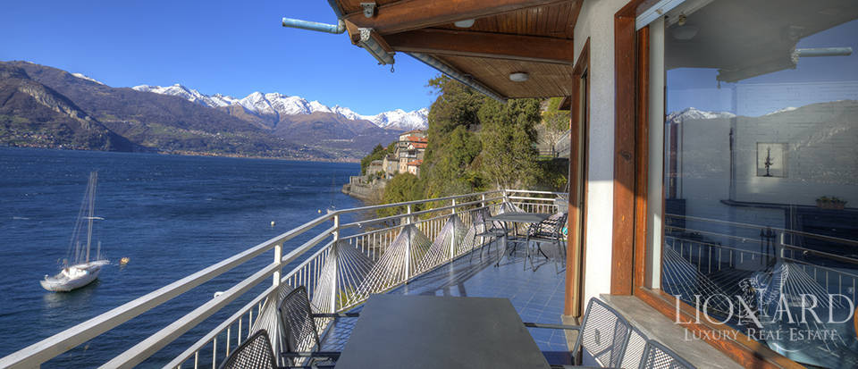 Lake front villa for sale in Como Image 9