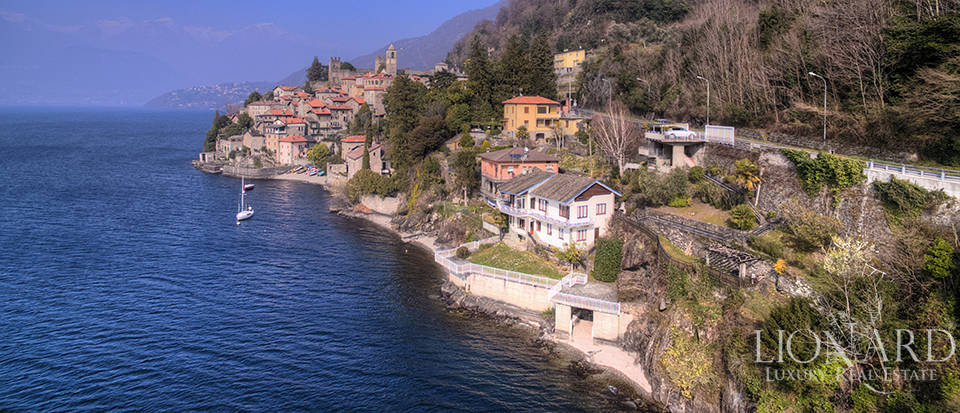 Lake front villa for sale in Como Image 2