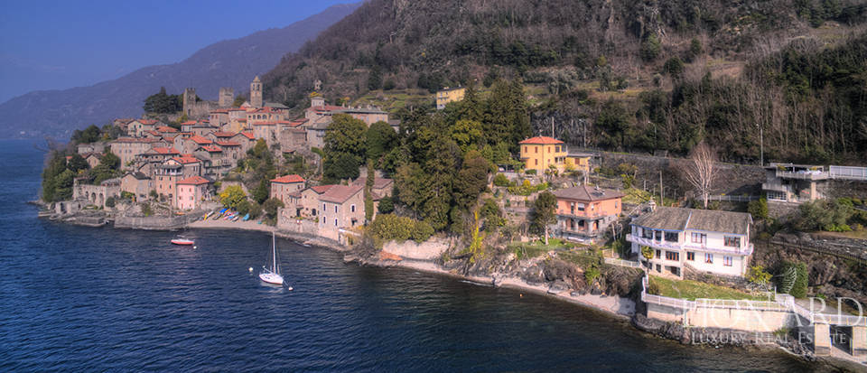 Lake front villa for sale in Como Image 3