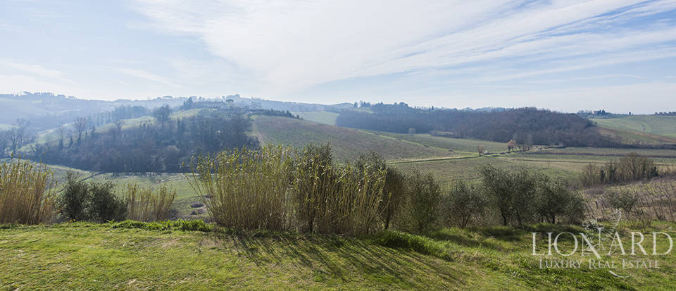Farmhouse for sale in Tuscany Image 12