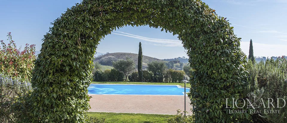 Farmhouse for sale in Tuscany Image 21