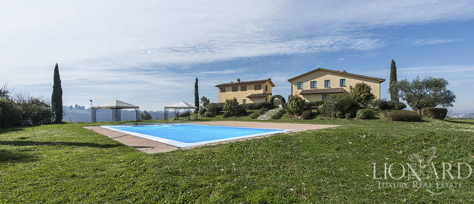 Farmhouse for sale in Tuscany Image 26
