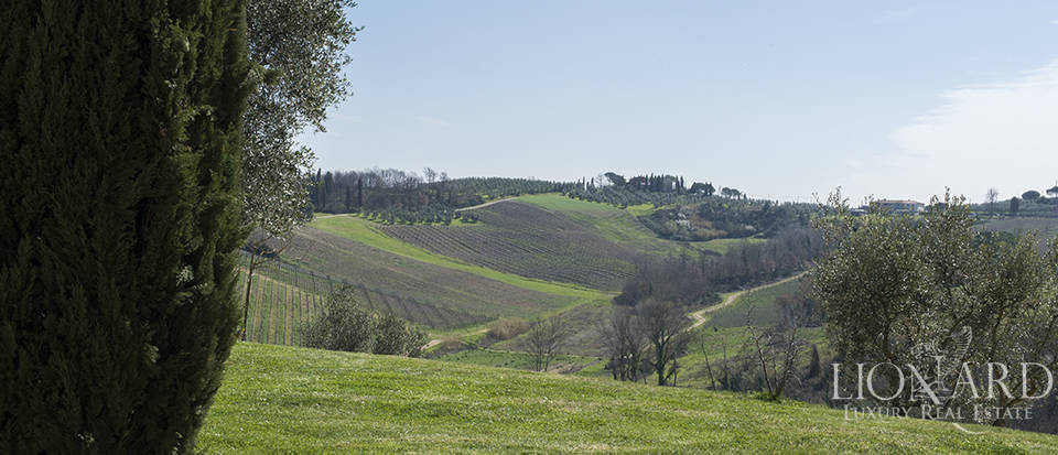 Farmhouse for sale in Tuscany Image 30