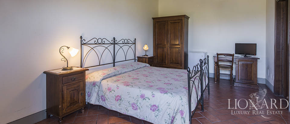 Farmhouse for sale in Tuscany Image 46