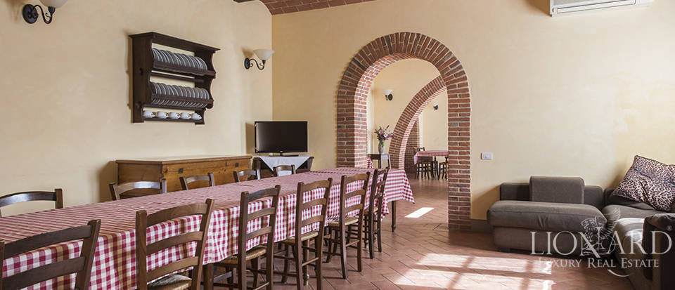 Farmhouse for sale in Tuscany Image 37