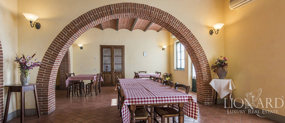 Farmhouse for sale in Tuscany Image 38