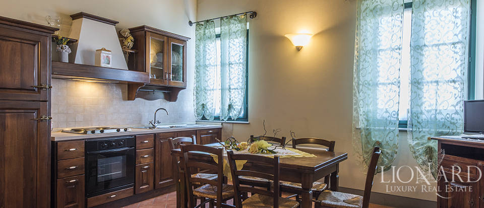 Farmhouse for sale in Tuscany Image 40