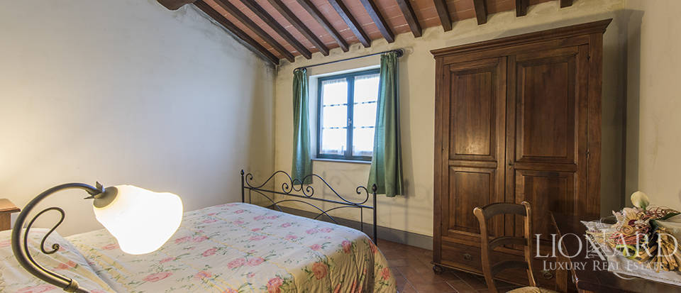 Farmhouse for sale in Tuscany Image 48