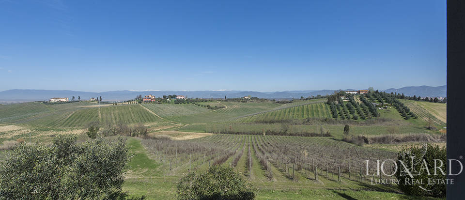 Farmhouse for sale in Tuscany Image 31