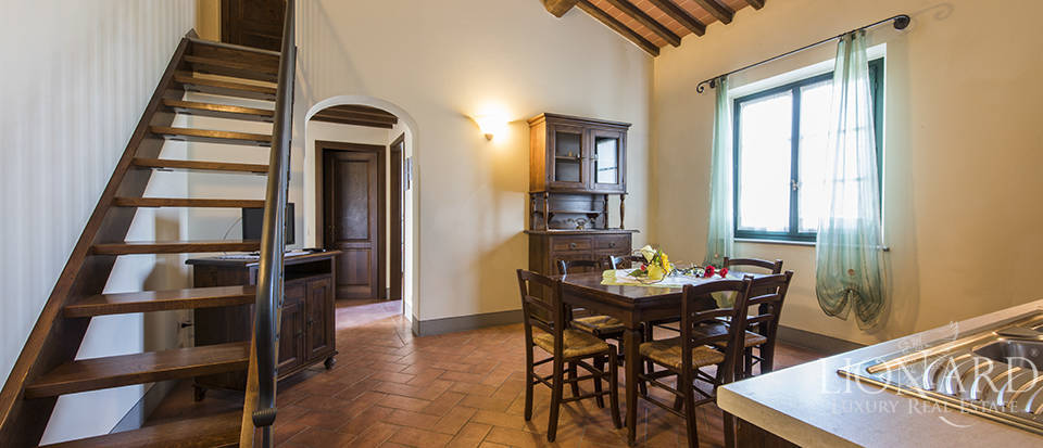 Farmhouse for sale in Tuscany Image 41