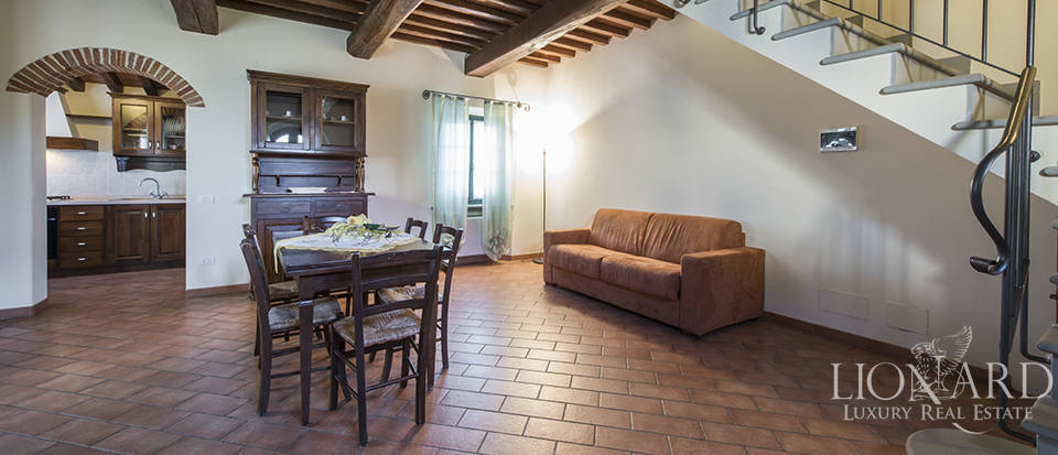 Farmhouse for sale in Tuscany Image 42