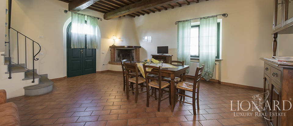 Farmhouse for sale in Tuscany Image 43