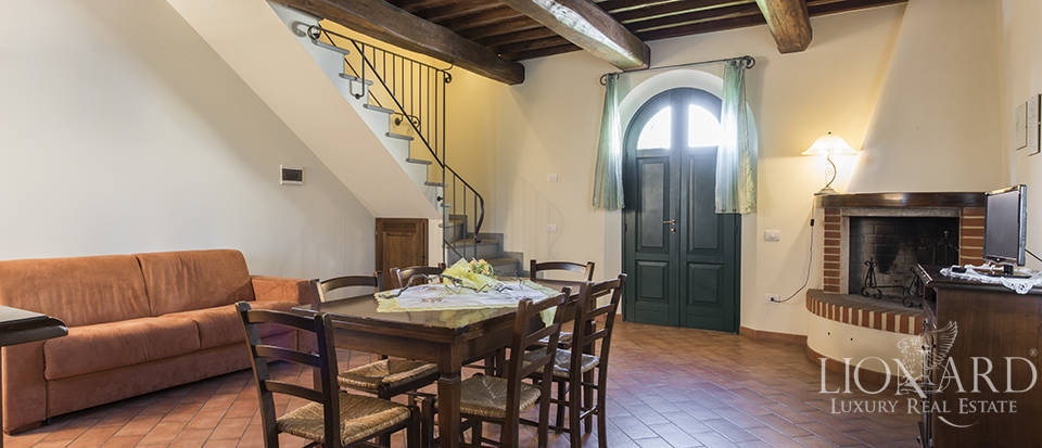 Farmhouse for sale in Tuscany Image 44