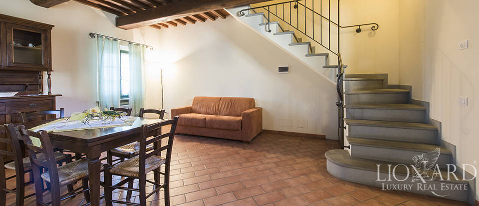 Farmhouse for sale in Tuscany Image 45